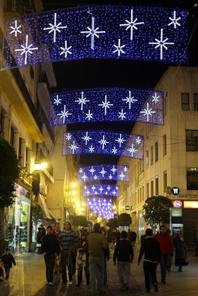 Sierpes y Tetuán podrían quedarse sin iluminación navideña