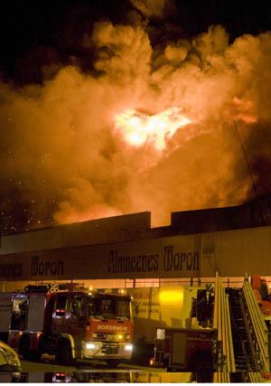 Incendio en un polígono de Motril