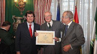 Homenaje a Mauricio González-Gordon