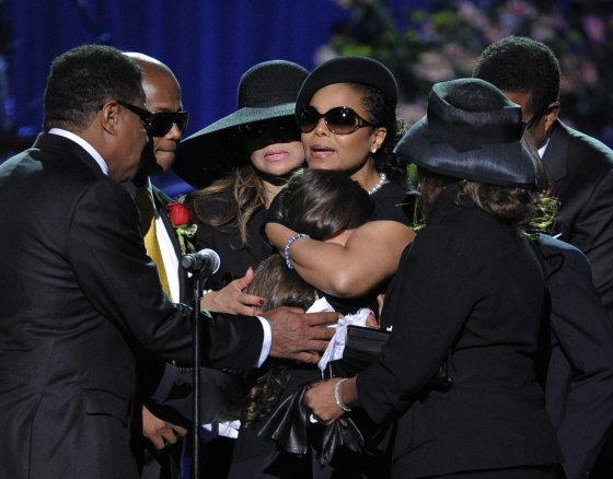 Los Jackson mantienen en secreto el lugar donde enterrarán a Michael