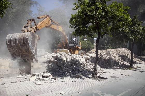 Avance de la democilición del muro de los Jardines del Valle  Foto: Jaime Martínez