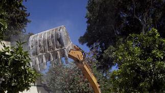 Demolición del muro de los jardines   Foto: Jaime Martínez