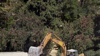 Derribo del muro de los Jardines del Valle  Foto: Jaime Martínez