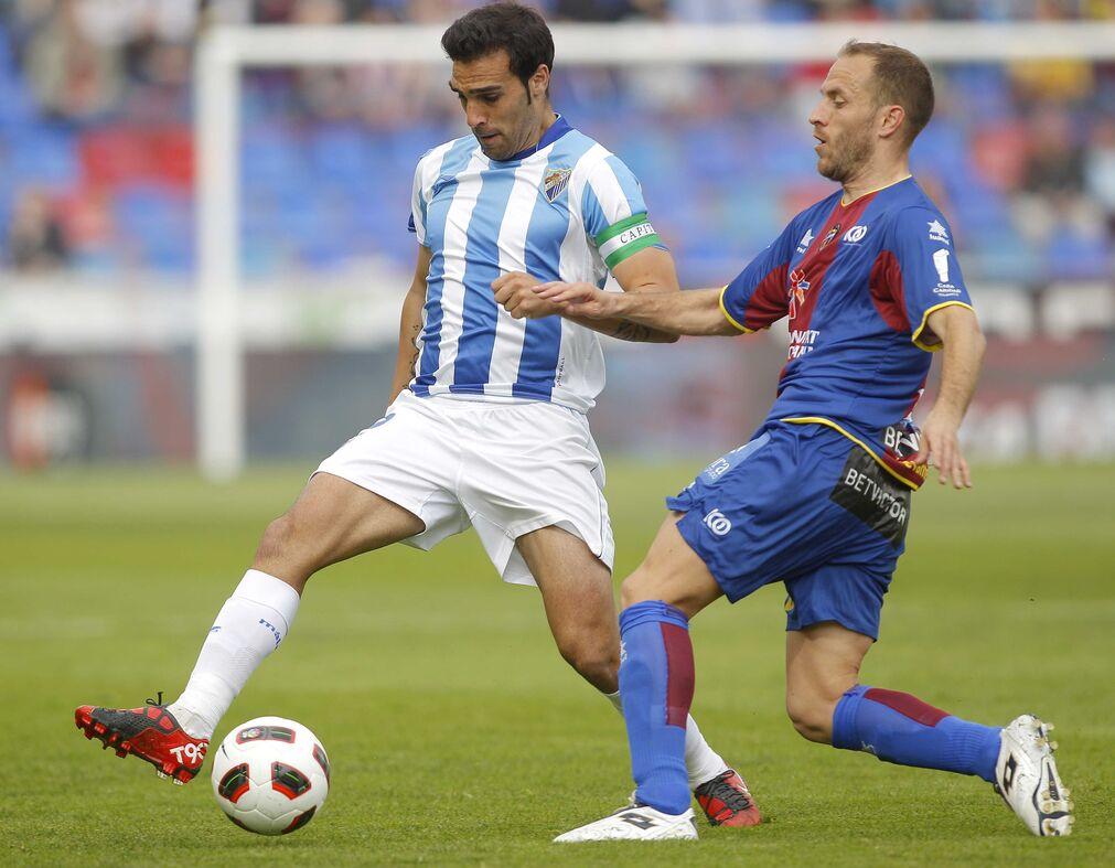 Las imágenes del partido Levante-Málaga CF  Foto: Manuel Bruque - EFE
