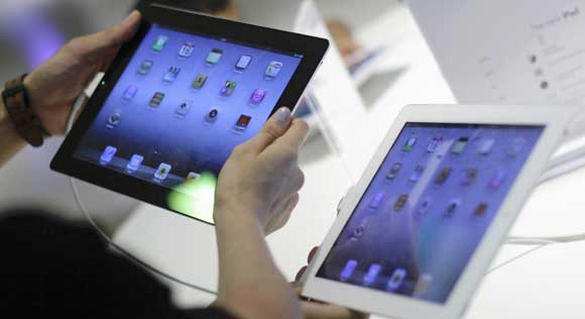 El Carmen cambia los libros de texto por iPads en Bachillerato
