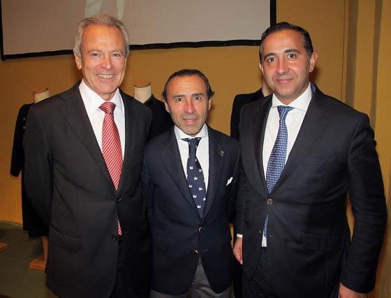 José Pozo (AZVI) Chus García (Gar&Cia) y Manuel Moreno, cónsul de Turquia.  Foto: Victoria Ramírez