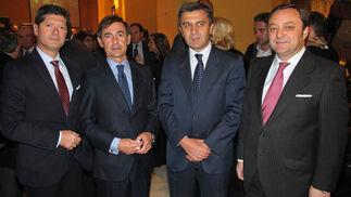 Tomás González (gerente) y Rafael Morales,  de Ernst & Young, con Julián Arance (Arance) y Florencio Baltasar, director territorial de EOS RISQ España.   Foto: Victoria Ramírez