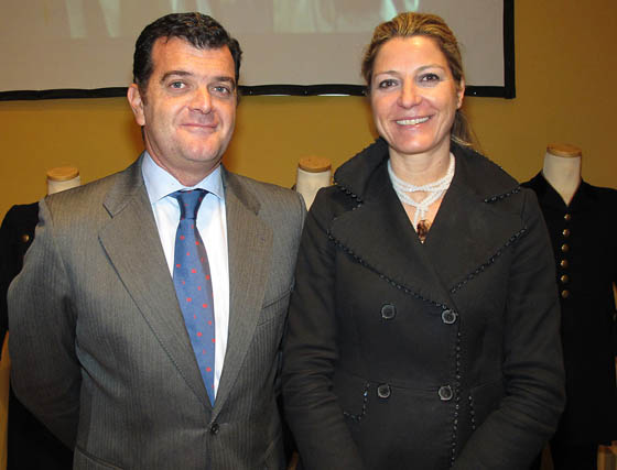 Jesús Borjabad, de Borjabad Abogados, e Inma Torres, directora del Museo de Carruajes de Sevilla.   Foto: Victoria Ramírez