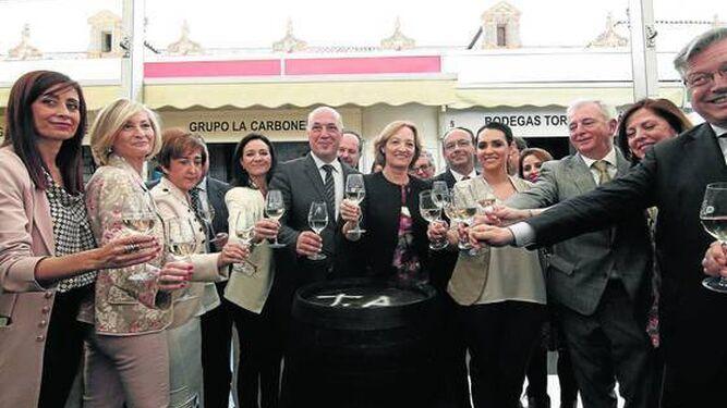 Brindis de las autoridades en la inauguración de la XXXIV Cata del Vino Montilla-Moriles.