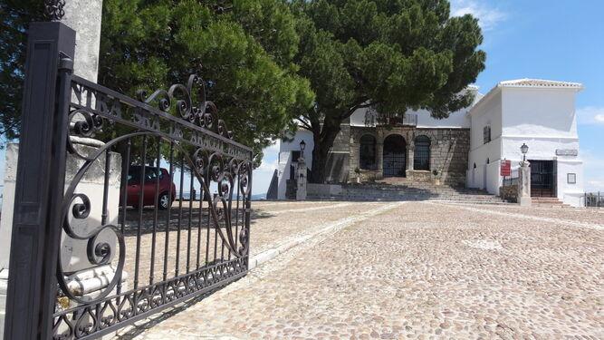 Entrada al Santuario de la Virgen de Araceli.