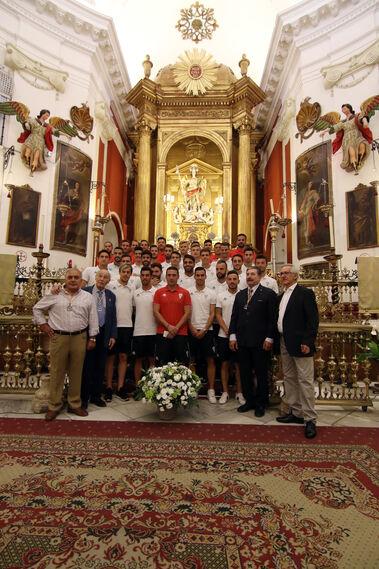 Ofrenda floral del Córdoba CF a San Rafael