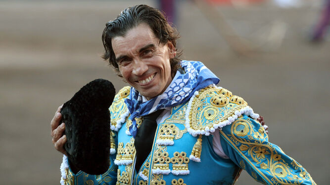 Curro Díaz, tras cortar la oreja.
