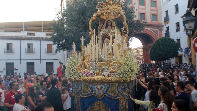 Un momento de la procesión de la Virgen del Socorro de 2016.