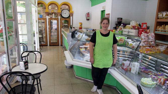 María del Carmen Pulido, en su local de la calle Infanta Doña María, número 62.