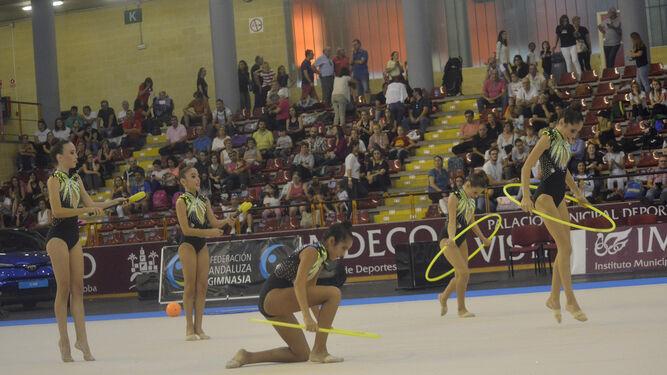 La gimnasia rítmica ilumina Vista Alegre
