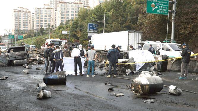 Tres muertos al explotar en Seúl un camión con gasolina