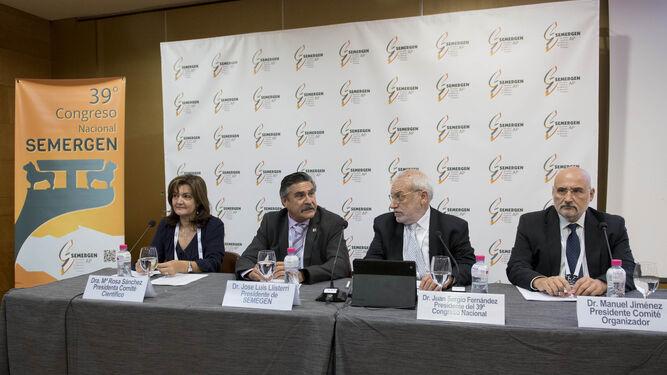María Rosa Sánchez, presidenta del comité científico; José Luis Llisterri, presidente de Semergen; Juan Sergio Fernández, presidente de este congreso y Manuel Jiménez, del comité organizador.