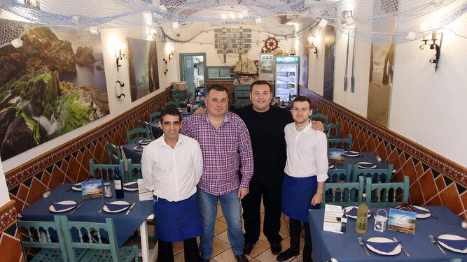 Parte del equipo humano que trabaja en el Restaurante Gallego's.