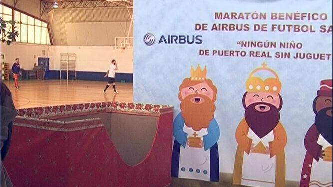 Empleados Maratón 'ningún Niño De El Sin Juguetes' Organizan Airbus YWDHE2I9