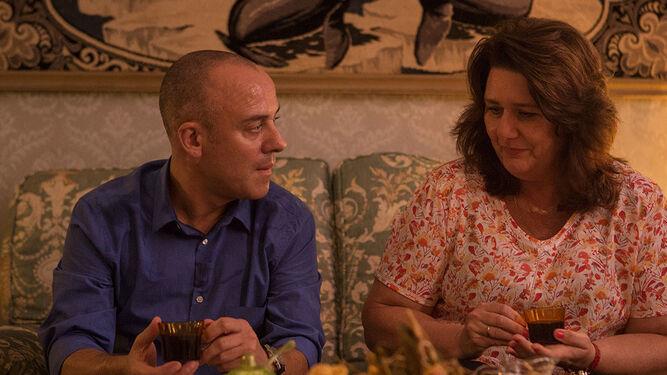 La actriz, con Javier Gutiérrez en una escena del filme de Martín Cuenca.