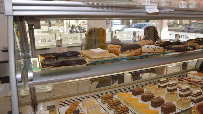 Una muestra de los apetitosos dulces que ofrece la Cafetería Néfesh.
