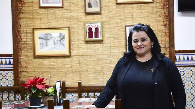 Ana, madre de José y jefa de cocina, en las instalaciones del Restaurantes Hádalos Nueva Generación.