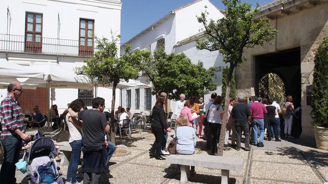 4ba7fa2b7fc Colas-puertas-Palacio-Viana-Cordoba 1206189559 78983091 667x375.jpg