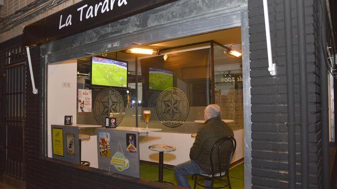Fachada del bar La Tarara.