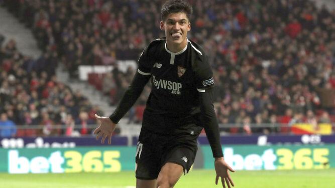 Correa celebra el segundo gol del Sevilla