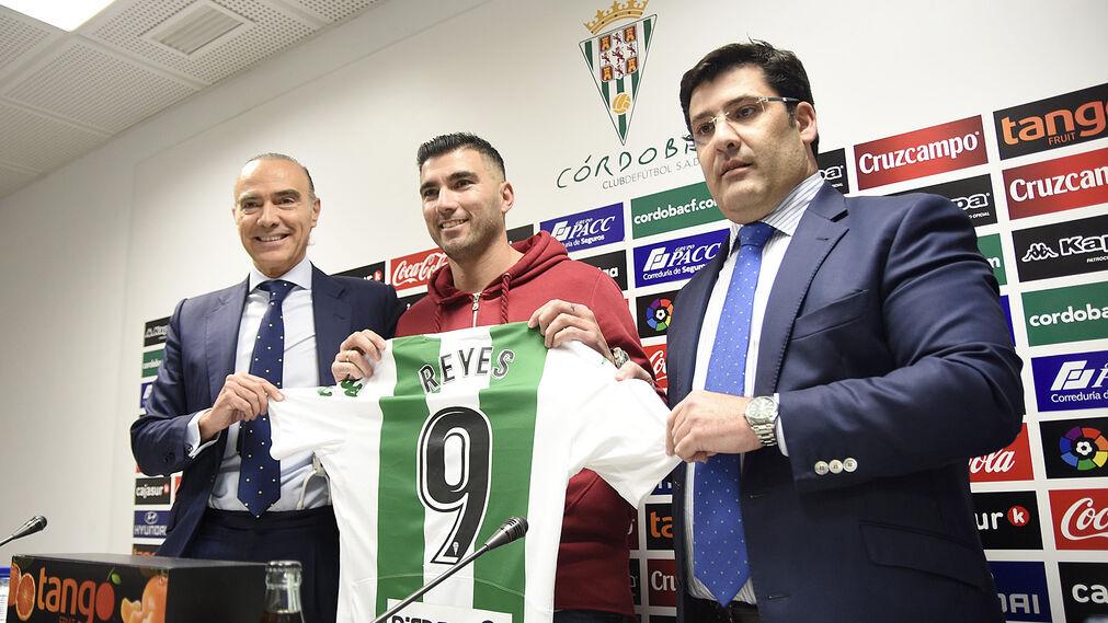 Reyes, junto a Oliver y Jesús León.