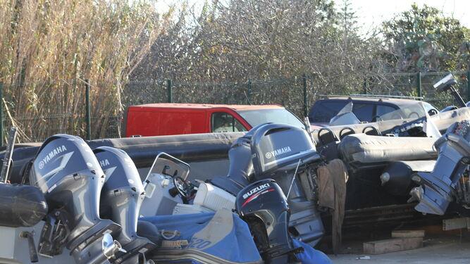 Motores apilados en las instalaciones de Conil.