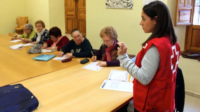 Uno de los talleres de Cruz Roja dirigido a las personas mayores.