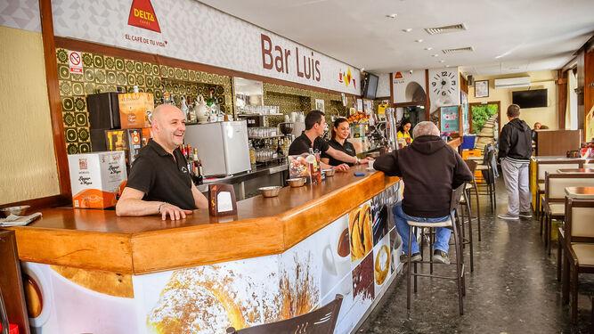 Imagen del interior del local del Café Bar Luis, ubicado en la calle Mayor, en Pozoblanco.
