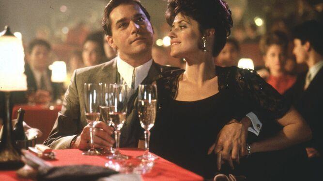 Ray Liotta y Lorraine Bracco, en 'Uno de los nuestros' (1990).