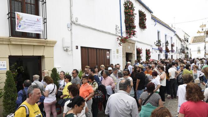 Turistas y visitantes en el Alcázar Viejo, el pasado fin de semana.