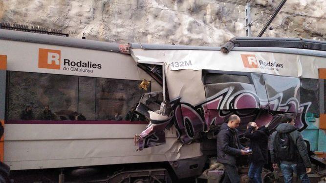 Resultado de imagen de choque de trenes en barcelona 2019