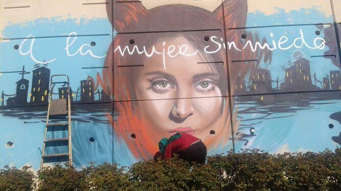 08b32febf87fc Grafiti que recuerda a la rapera poeta cordobesa gata cattana en las calles  de granada jpg