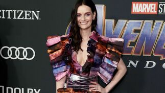 "<p class=""BS_tbl-tx1"" ng-if=""relationItem.title"">Lydia Hearst</p> <p class=""BS_tbl-tx2""></p> <p class=""BS_tbl-tx2""></p>"