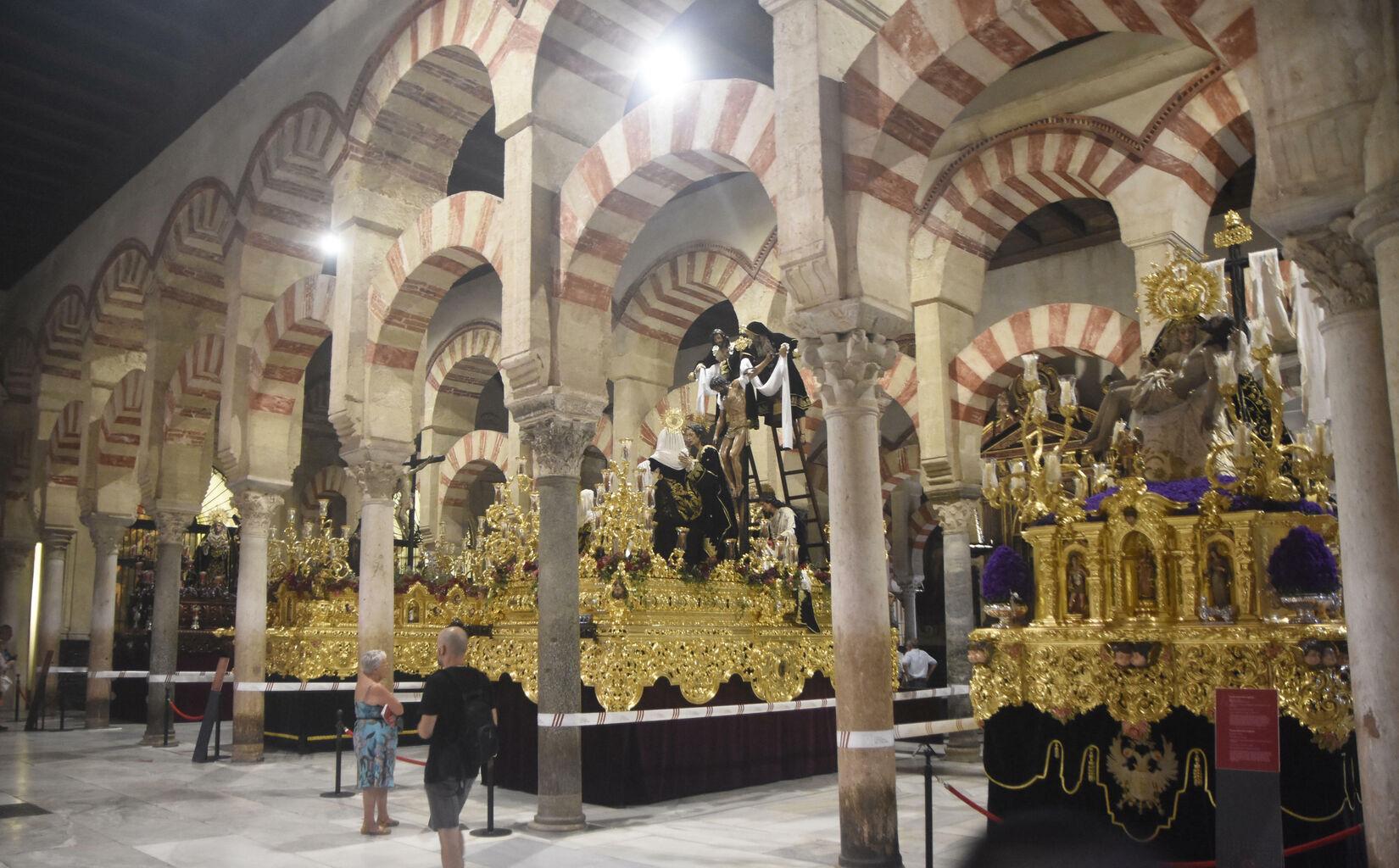 """La plataforma Mezquita-Catedral critica la """"invasión"""" del templo ..."""
