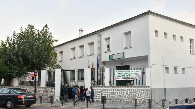 https://www.eldiadecordoba.es/2019/11/06/provincia/Colegio-Manuel-Cano-Pozoblanco_1407469723_112237362_667x375.jpg