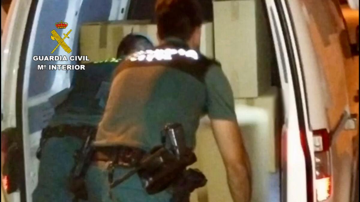 Detenidas tres personas en Montalbán con 8.000 cajas de tabaco de contrabando