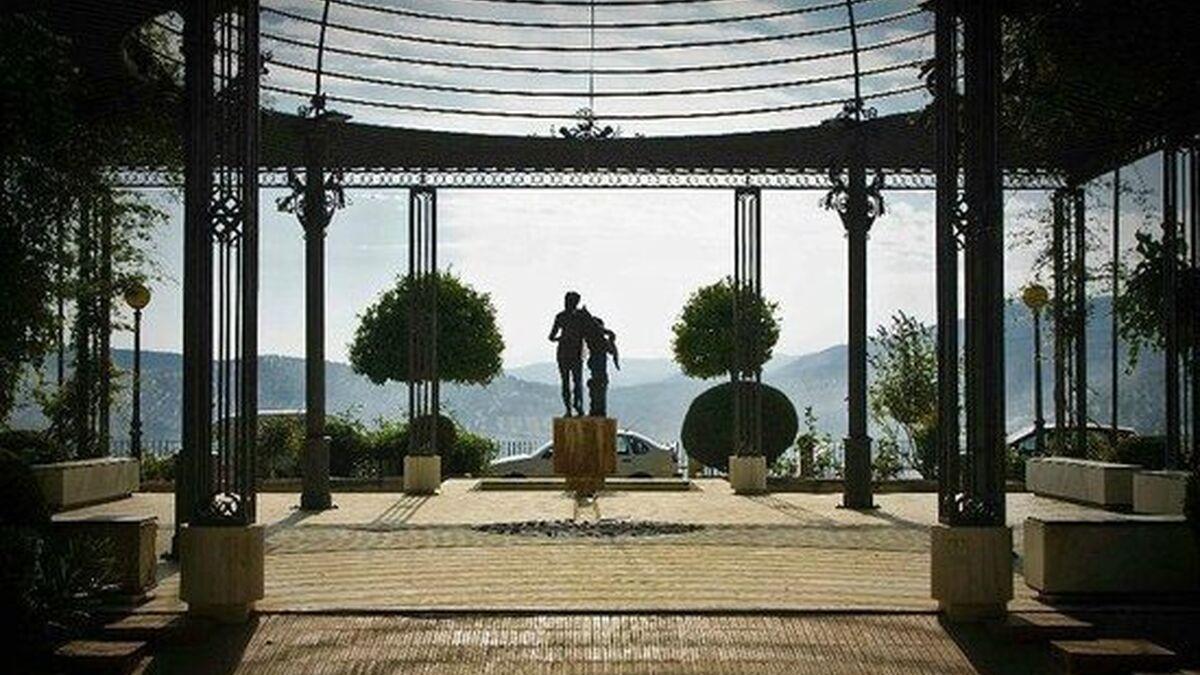 Priego convoca un concurso para levantar un monumento a la entrada del paseo de Colombia
