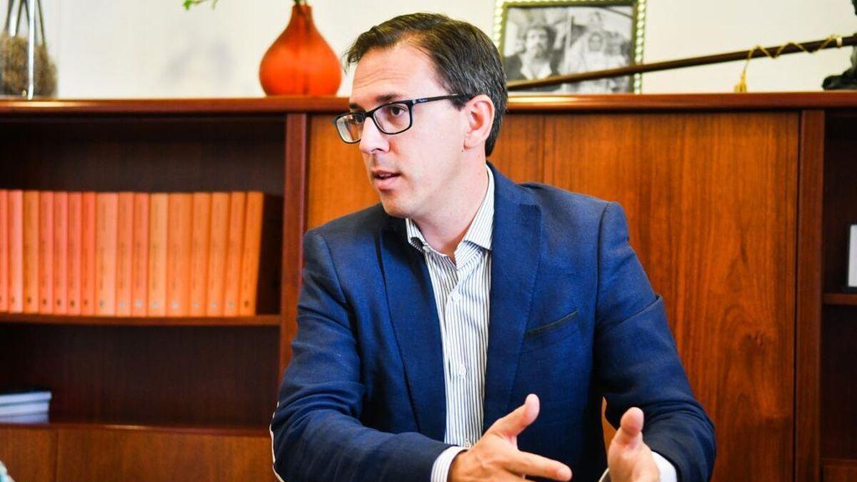 """El alcalde de Pozoblanco denuncia la """"ofensiva"""" del Gobierno para """"quedarse con los ahorros"""" de los vecinos"""