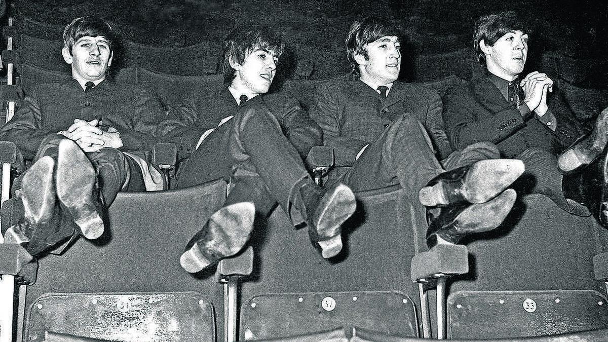 Los Beatles antes de una de sus actuaciones.