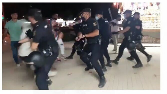 Varios altercados y un detenido por enfrentarse a la Policía en la Feria del Valle de Lucena.