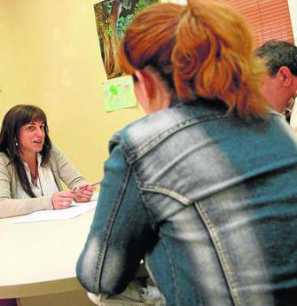 Diario Córdoba | Una psicóloga atiende a un paciente